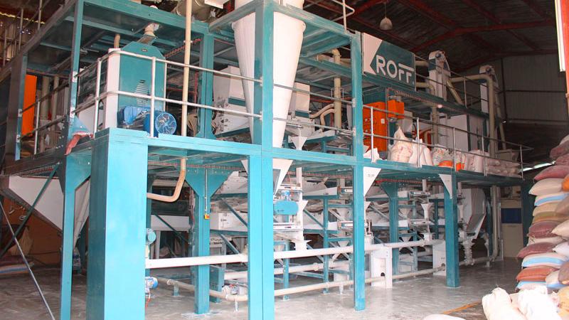 Roff's R-70 2-4 ton per hour maize milling plant
